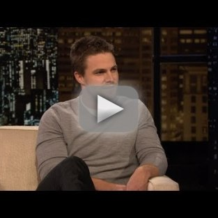 Stephen Amell on Chelsea Lately: Parenting is Easy!