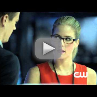 Arrow Sneak Peek: Do Barry Allen & Felicity Smoak Make a Fine Romance?