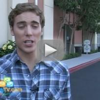 Dustin Milligan, On Set