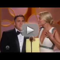 Jonah-hill-and-margot-robbie-try-to-present-at-golden-globes