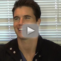 Robbie amell the tomorrow people set interview