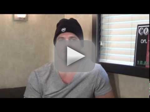 Stephen Amell Set Q&A