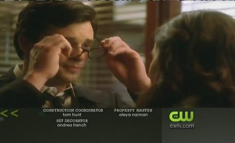 """Smallville Episode Preview: """"Masquerade"""""""
