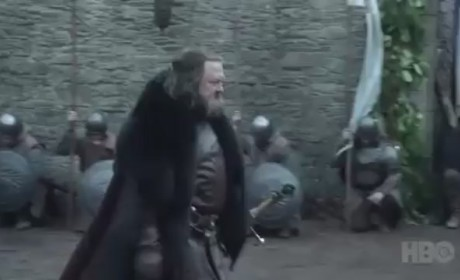 Game of Thrones Clip: The King Arrives