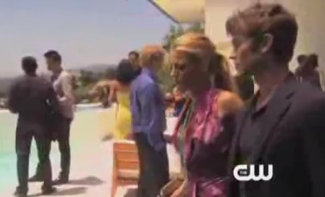 Gossip Girl Season 5 Premiere Clip: Elizabeth Hurley Sighting!