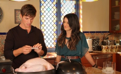 "90210 Promo: ""Smoked Turkey"""