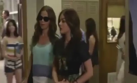 Pretty Little Liars Clip: She Can See!