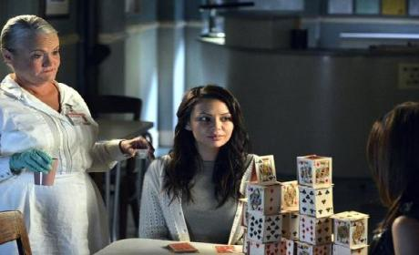 Pretty Little Liars Episode Teaser: Where's Mona?!?