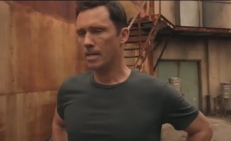 "Burn Notice Clip: ""Unchained"""