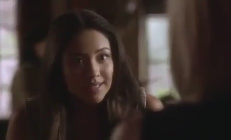 Pretty Little Liars Clips: Taking Note...