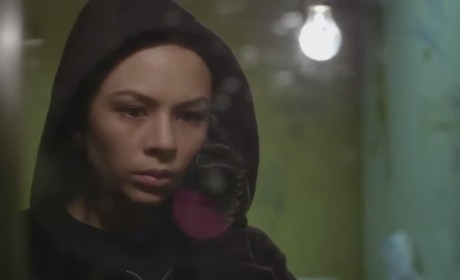 Pretty Little Liars Clip: I'm Here...