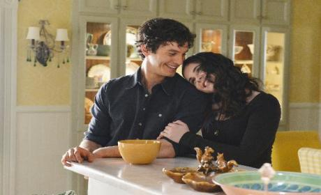 "Vanessa Marano Previews a ""Bad"" Bay on Switched at Birth"