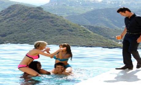 "90210 Promo: ""The Sea Change"""