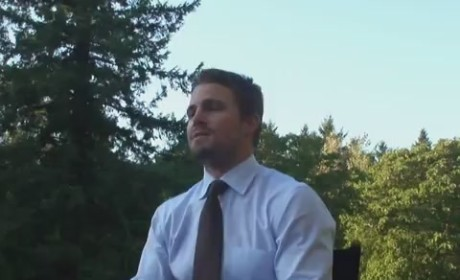 Stephen Amell Set Interview