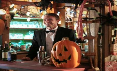Hart of Dixie Casting for a Surgeon, Planning for Halloween