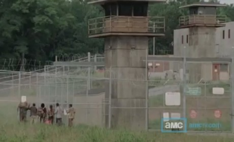 The Walking Dead Clip: A Wounded Michonne