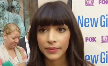 Hannah Simone Red Carpet Interview