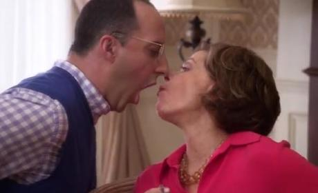 Arrested Development Season 4 Clip
