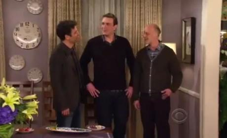 "How I Met Your Mother Promo: ""The Burning Beekeeper"""
