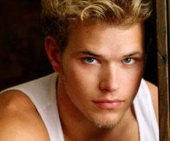Kellan Lutz Photo