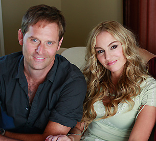 Jeffrey Nordling and Drea de Matteo