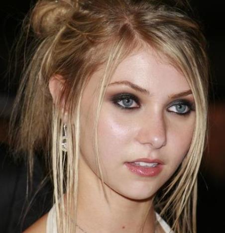 Taylor Momsen Picture