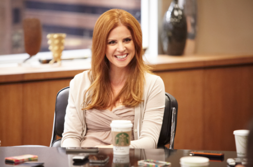 Sarah Rafferty on Set