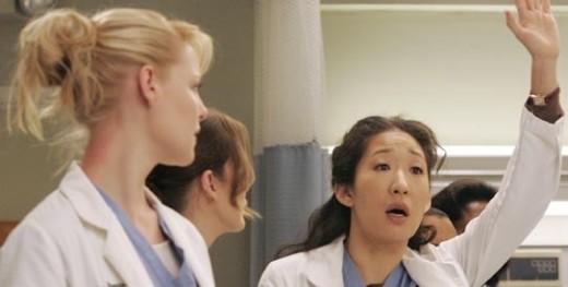 Cristina Raises Her Hand