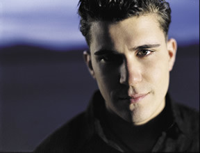 Josh Gracin, Family Man