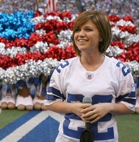 Kelly Clarkson Does Football