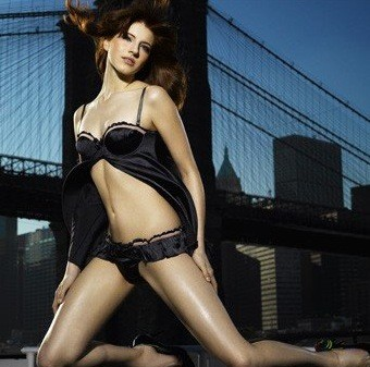 cw-antm10-aimee-container_010636-9bac74-500x344.jpg