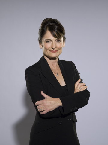 Angela Petrelli Photo
