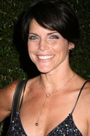 Lesli Kay