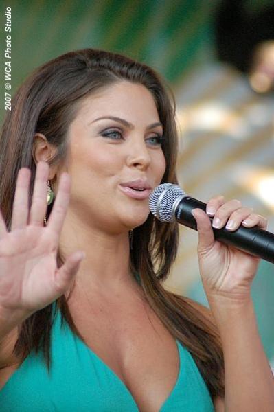 Nadia Bjorlin Singing