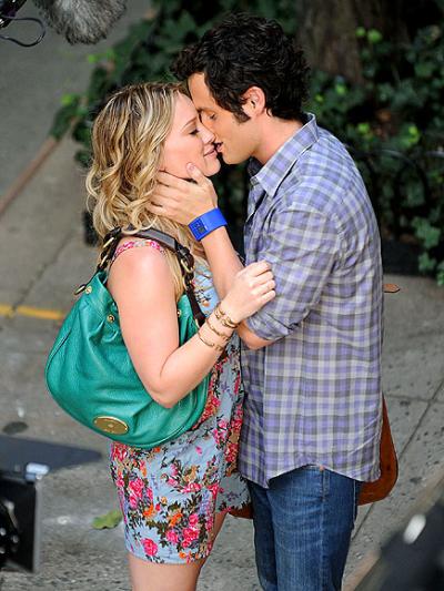 Hilary and Penn Kiss