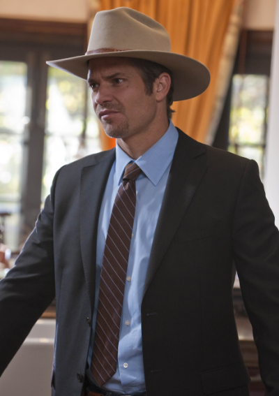 Raylan Givens in a Tie