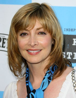Sharon Lawrence Photo