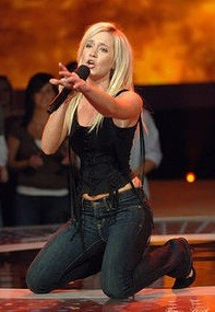 Kellie Pickler Live!