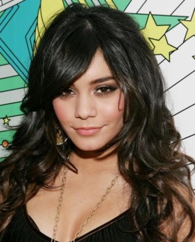 vanessa-hudgens-breast-implants.jpg