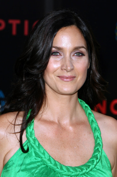 Carrie-Anne Moss Pic